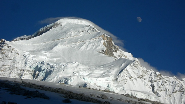 Cho Oyu - International Winter Mounteneering Expedition 1985